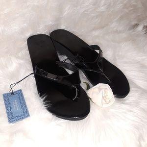 Sz11 Vera Wang Black Wedge Sandals